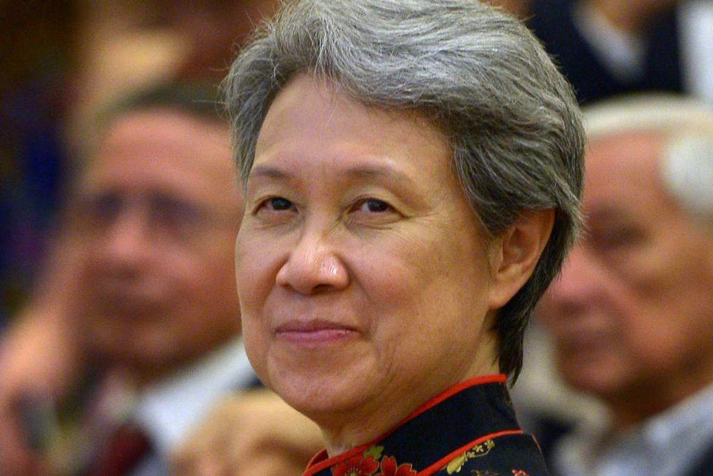 PM Lee perjelas peranan isteri serahkan dokumen kepada NHB