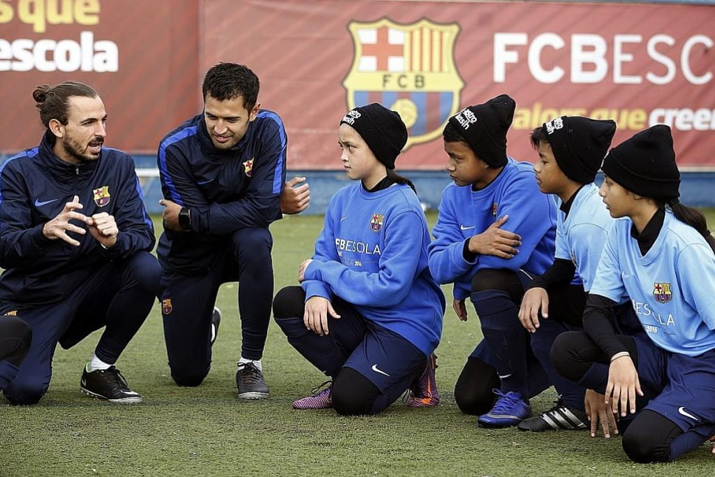 KEM BOLA ASTRO Peluang sertai latihan Sekolah Bola Sepak Barcelona