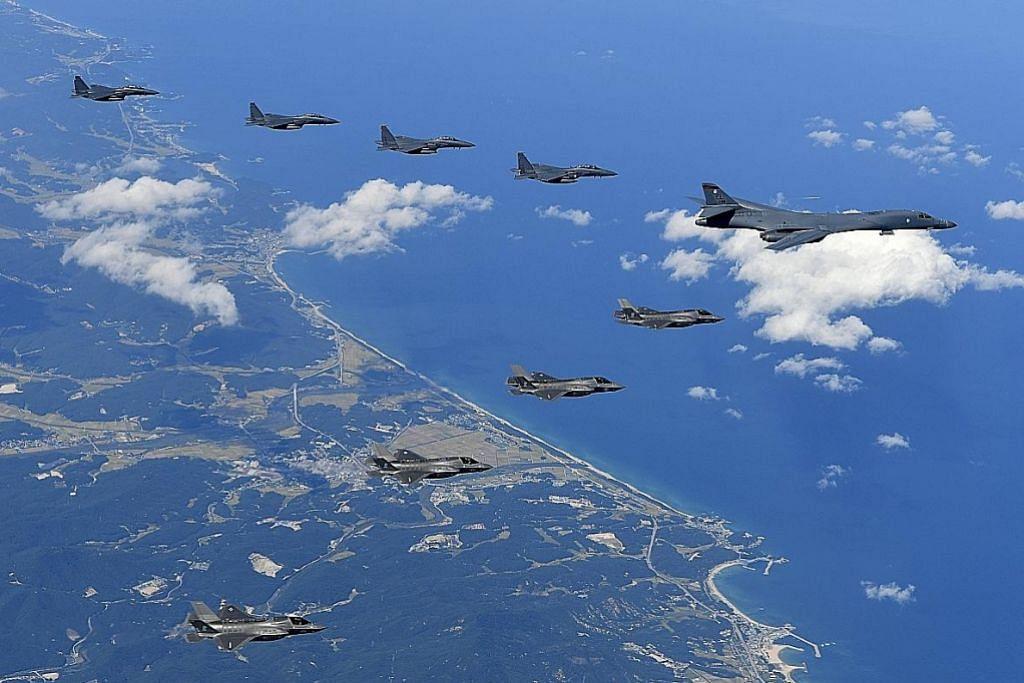 Pesawat pengebom AS terbang di pantai Korea Utara