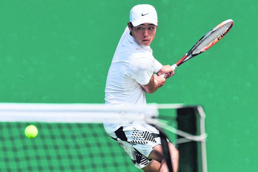 Pemain harapan China di gelanggang tenis
