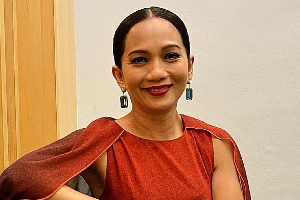 Dua artis hantar tweet kritik tindakan kerajaan Malaysia