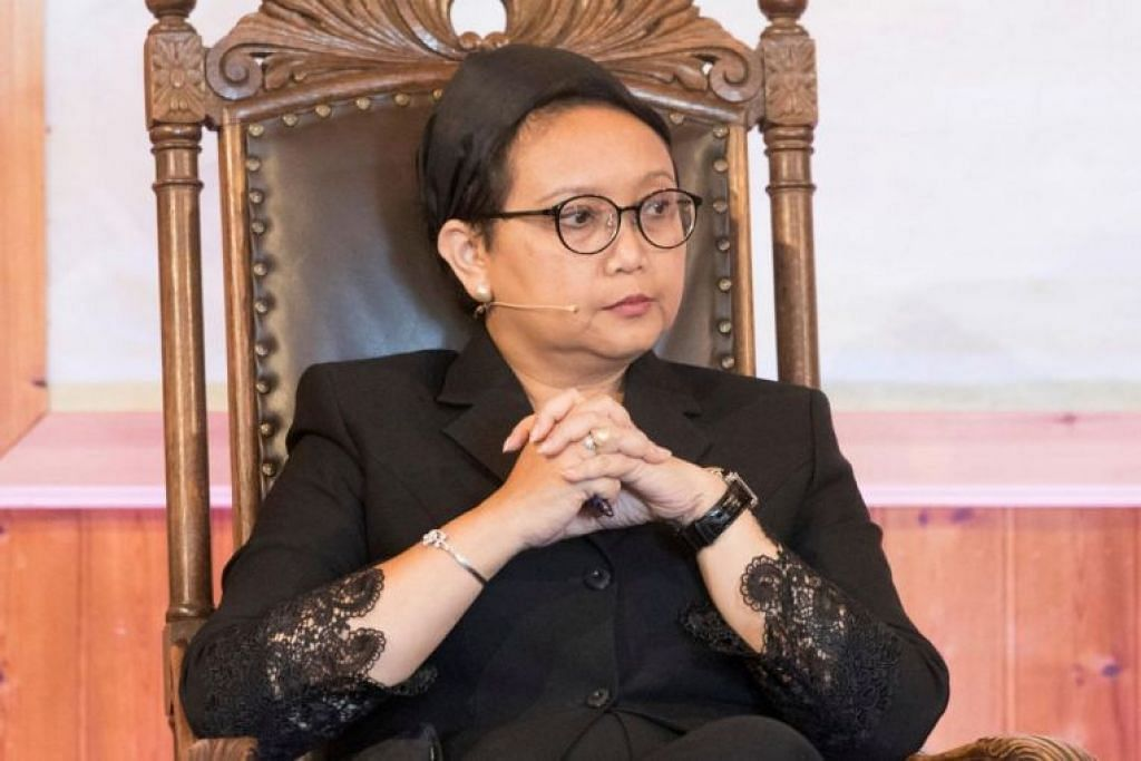 Menteri Ehwal Luar Indonesia Retno Marsudi sebelum ini pernah menyatakan bahawa pemerintah Indonesia akan berusaha sedaya mungkin untuk membebaskan kededua nelayan itu. FOTO: Reuters