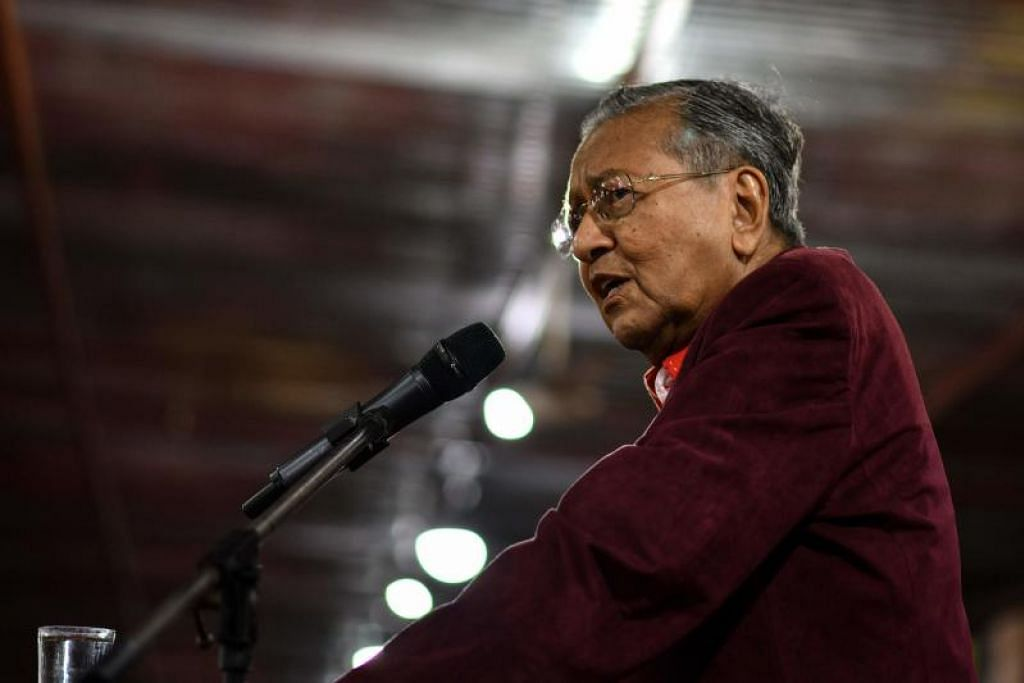 Tun Dr Mahathir Mohamad di satu perhimpunan di Sekinchan, Kuala Lumpur, pada 26 Januari lalu.