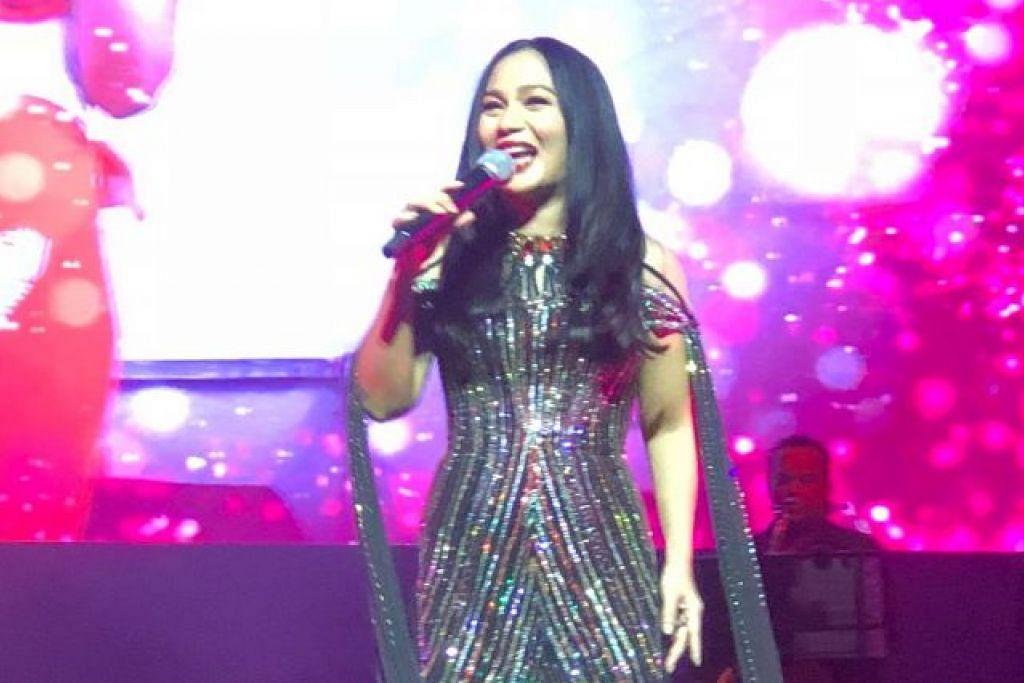 KONSERT JELAJAH DUNIA: Konsert Sheila Majid di Singapura malam tadi merupakan antara siri persembahan jelajah dunianya yang membuka tirai di Malaysia secara gah di Stadium Negara tahun lalu.