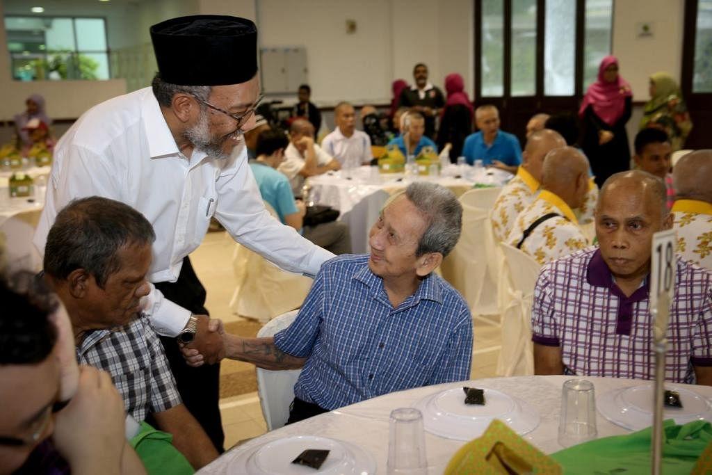 BANTUAN MELUAS: Antara lain, Muis menghulurkan agihan Bonus Ramadan – menerusi asnaf Fakir dan Miskin – kepada para penghuni rumah-rumah kebajikan