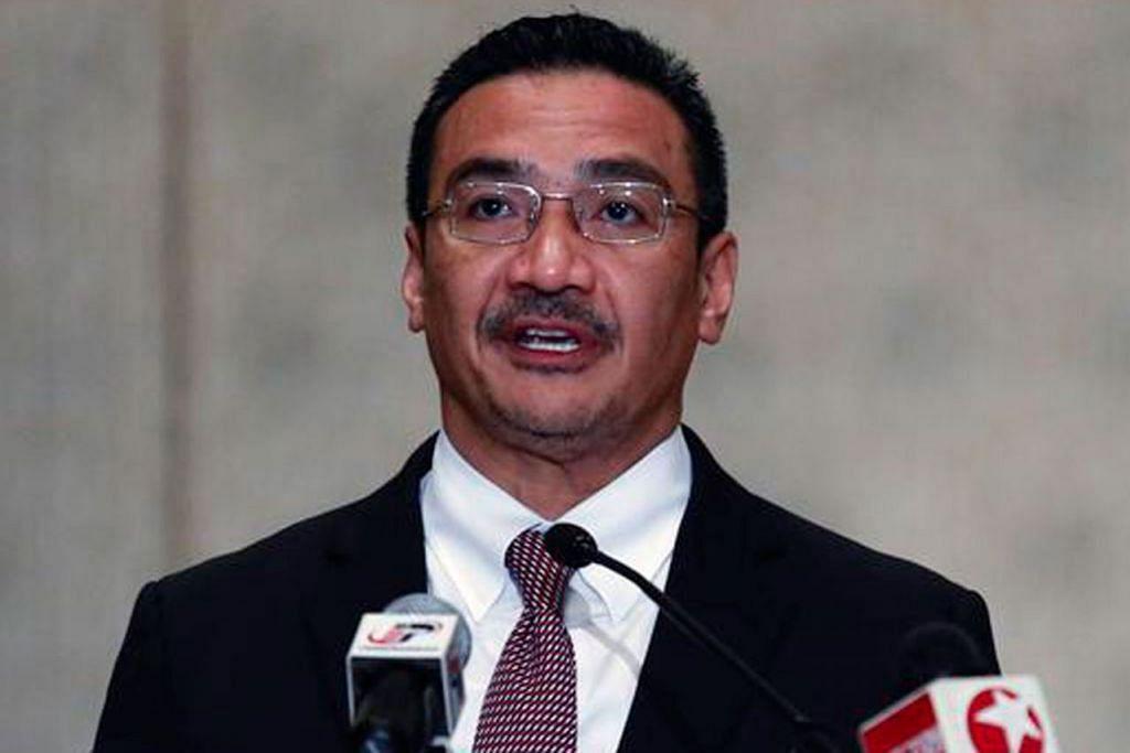 ENGGAN BERTANDING: Datuk Seri Hishammuddin Tun Hussein mahu memberi tumpuan membangunkan semula Umno menyusuli kekalahan meluas parti itu dalam Pilihan Raya Umum Malaysia yang lalu. - Foto fail