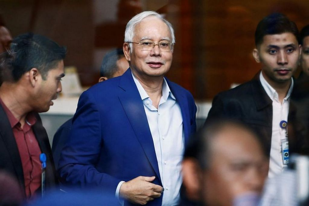 Malaysia's ex-PM Najib admits mistakes for Umno's failure, questions move to freeze party accounts