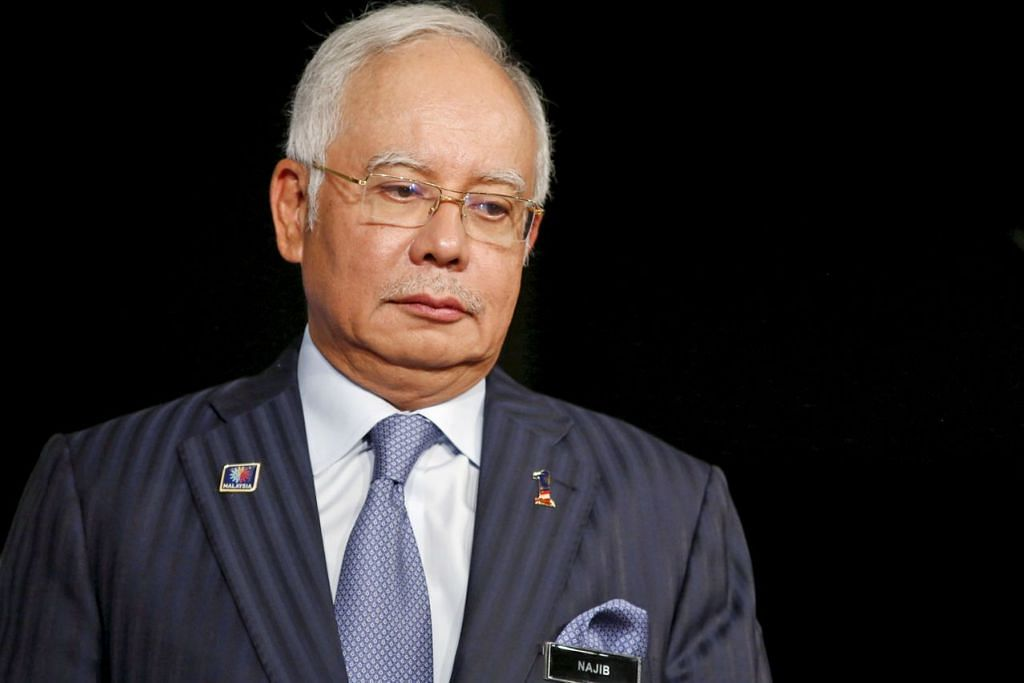 HADAPI TUDUHAN: Bekas perdana menteri, Datuk Seri Najib Tun Abdul Razak, didakwa atas tiga pertuduhan pecah amanah dan satu pertuduhan salah guna kuasa berhubung dana SRC International Sdn Bhd berjumlah RM84 juta. - Foto REUTERS