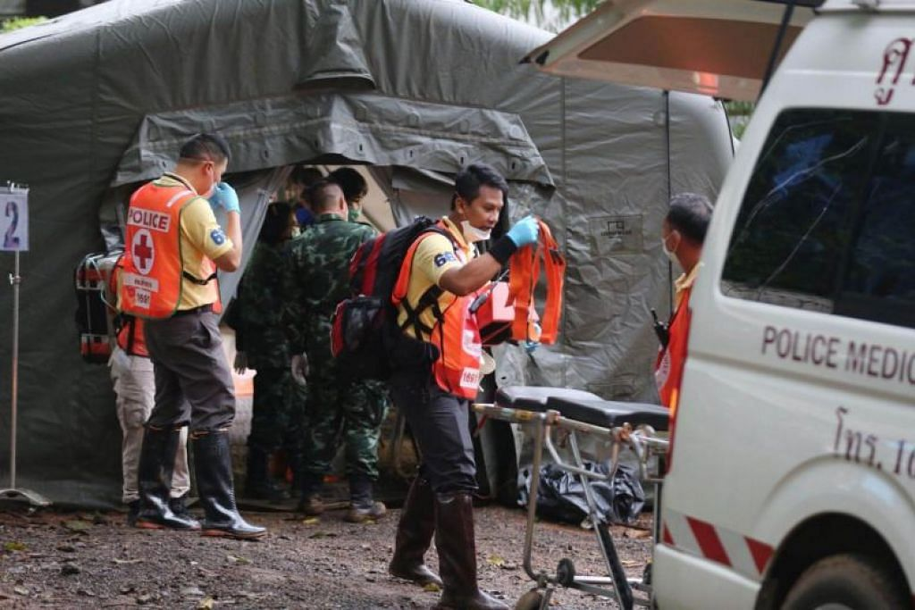 Thai cave rescue: Operation to rescue boys has resumed, say Thai officials