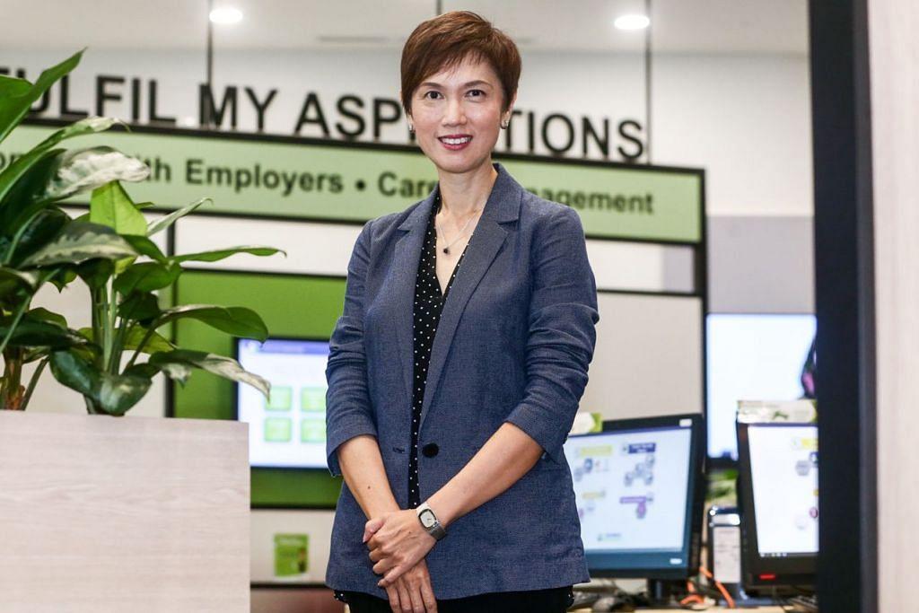 KHUSUS BUAT WARGA SENJA: Mengekalkan pekerjaan bagi rakyat Singapura menjadi keprihatinan utama Menteri Tenaga Manusia, Cik Josephine Teo. - Foto ZAOBAO