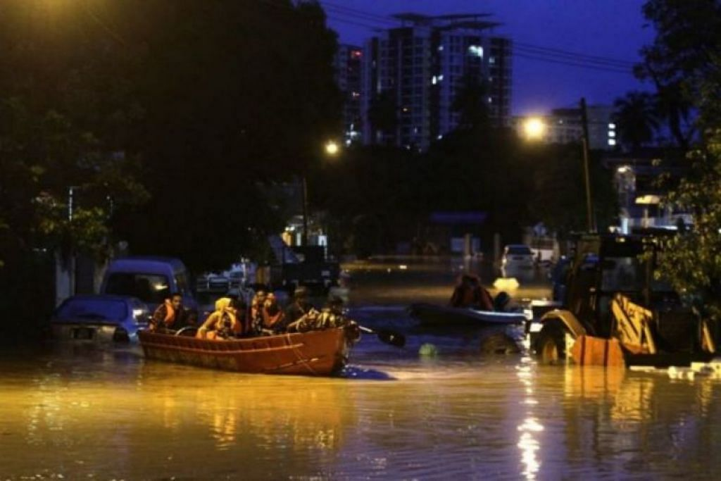 Heavy rain causes flash floods in several parts of Malaysia