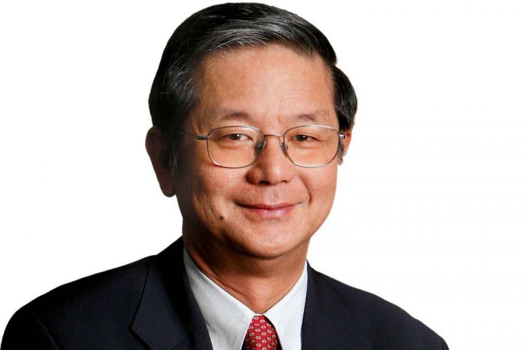ENCIK KHOO TENG CHYE: Menerima Pingat Jasa Gemilang.  - Foto fail