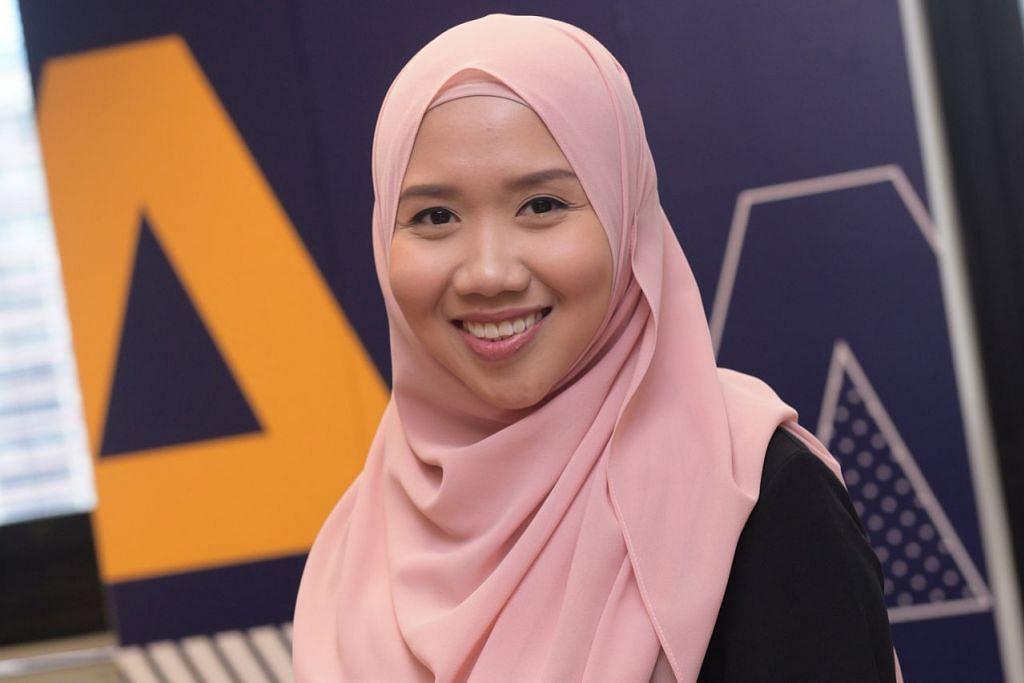 CITA-CITA TINGGI: Selepas memperolehi ijazah sarjana muda, Cik Nurulhuda mahu meneruskan pengajian dengan mengejar sarjana pula. - Foto AKADEMI NGEE ANN