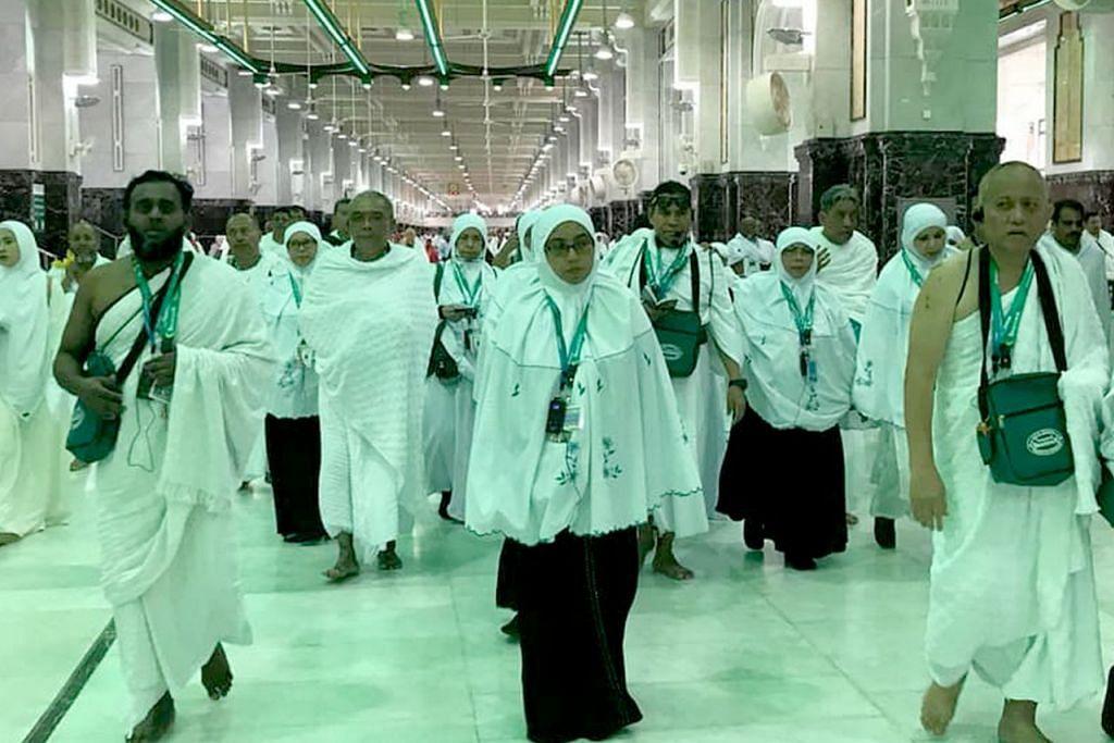 RUKUN KE-5: Seramai 900 jemaah Singapura berpeluang menunaikan ibadah haji di bawah kuota rasmi baru. - Foto FAIL