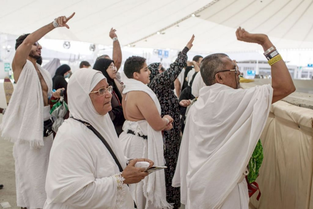 Jemaah sempurnakan ibadah melontar Jamrah di Mina
