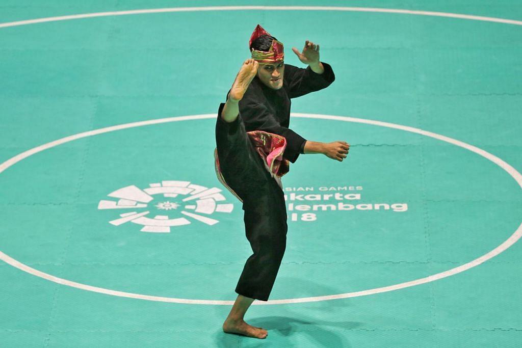 PENGALAMAN BERHARGA: Muhammad Iqbal Abdul Rahman menamatkan rutinnya dalam acara Tunggal Putera di tempat kelima semalam. - Foto BH oleh KEVIN LIM