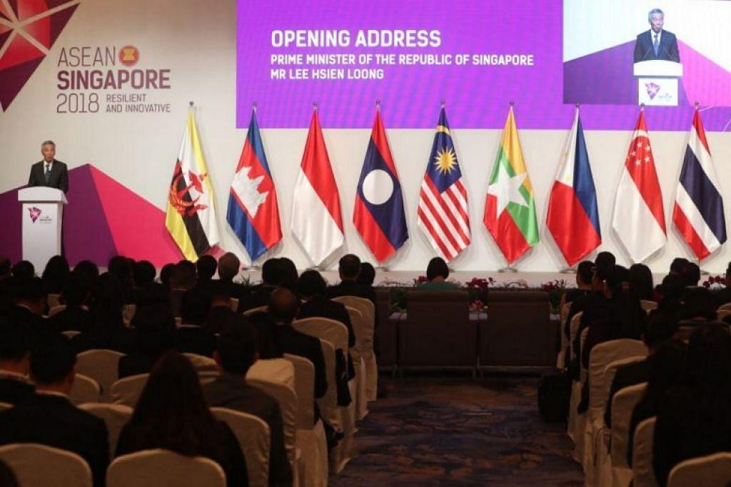 PM Lee berucap di pembukaan Mesyuarat Menteri Ekonomi Asean yang ke-50. - Foto ST