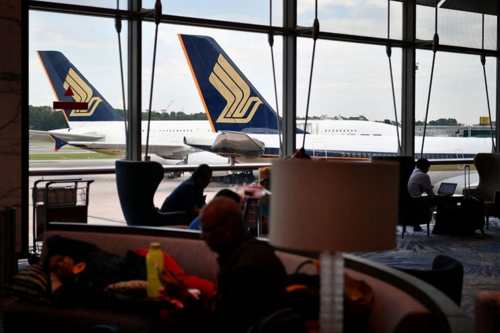 SIA plane hits aerobridge at Changi Airport, all 272 passengers and 12 crew on board unhurt