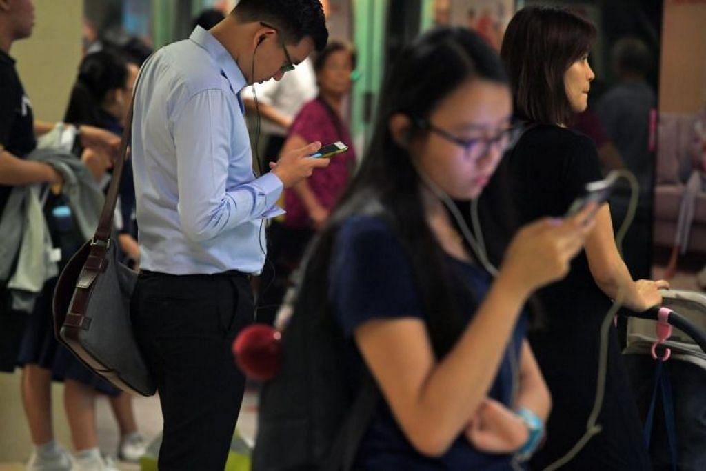 Separuh daripada warga Singapura yang dikaji berkata mereka pernah terpedaya oleh berita yang dipercayai benar pada mulanya.  Foto: FAIL ST