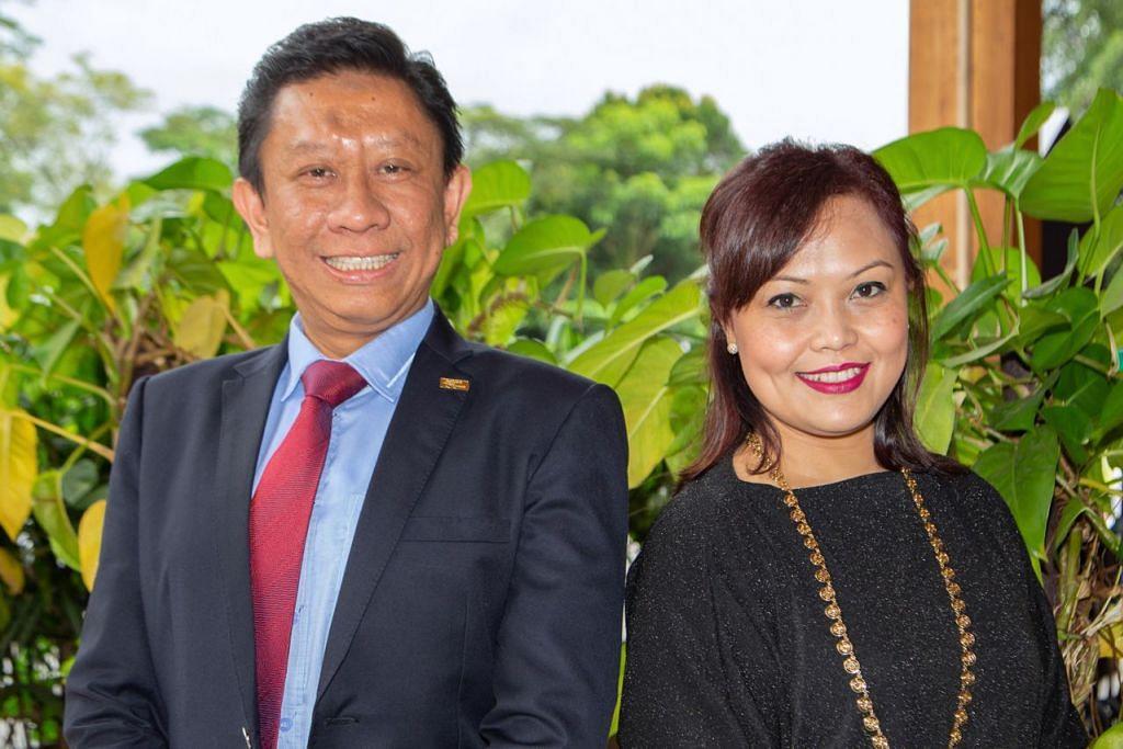 SUMBANGAN DIIKTIRAF: Encik Shafie dan Cik Yasmin adalah antara 37 alumni NTU yang diberi penghormatan atas pencapaian serta sumbangan cemerlang mereka kepada universiti tersebut dan masyarakat. - Foto BH oleh ZALEHA ABDUL KADER