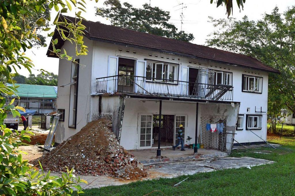 DIBERI NAFAS BARU: Banglo kolonial di Taman Aeroangkasa Seletar ini merupakan antara kumpulan banglo yang sedang diberi nafas baru untuk kegunaan runcit, makanan dan minuman serta pejabat. - Foto BH oleh CHONG JUN LIANG