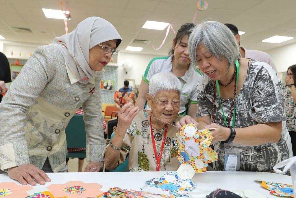 Pusat itu dibuka secara rasmi dalam satu majlis hari ini yang dihadiri tetamu terhormat, Presiden Halimah Yacob. Foto: MCI