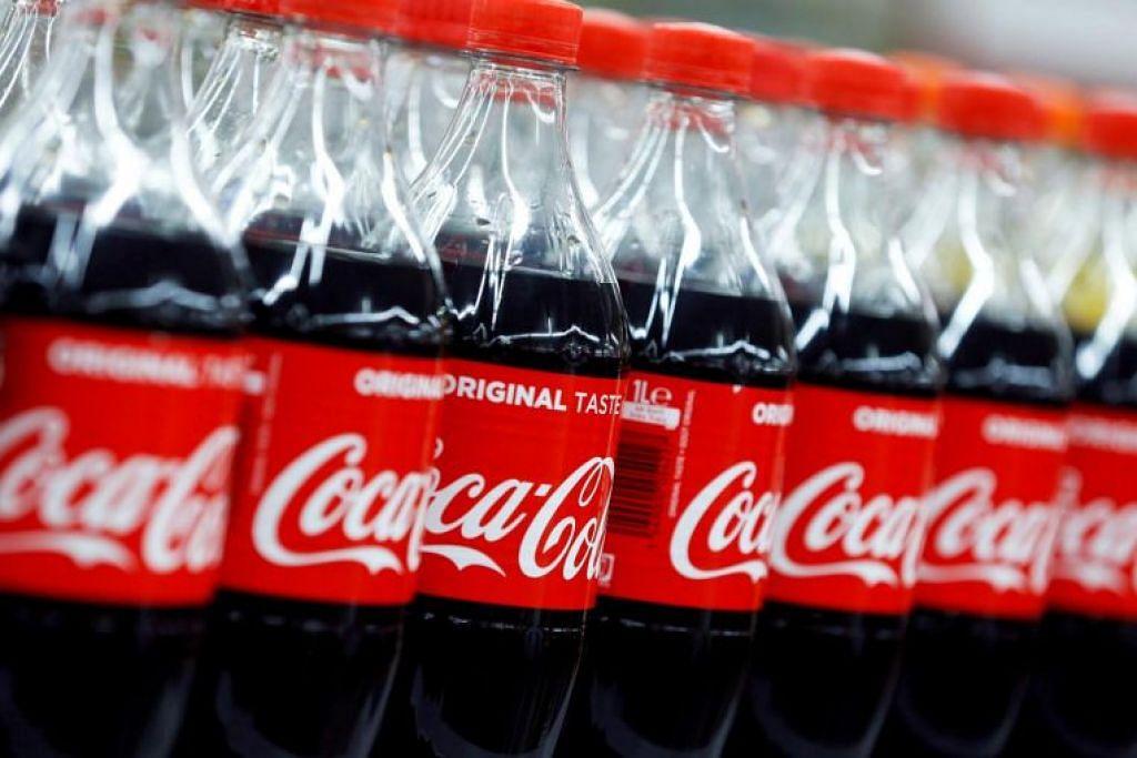 Kedua-dua kanak-kanak itu, yang rata-rata diberi Coca-Cola sahaja, telah diperkenalkan kepada daging dan sayur.