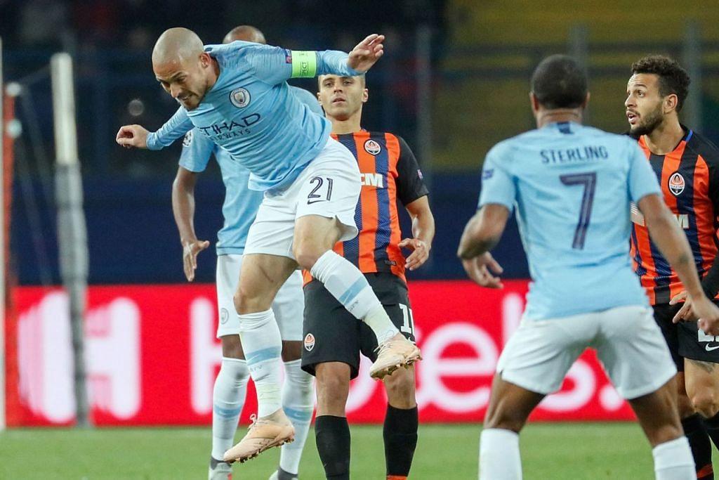 TETAP MENANG: Pemain Manchester City, David Silva, membuktikan kehebatannya di padang membantu pasukannya menang 3-0 ke atas Shaktar Donetsk. - Foto EPA-EFE