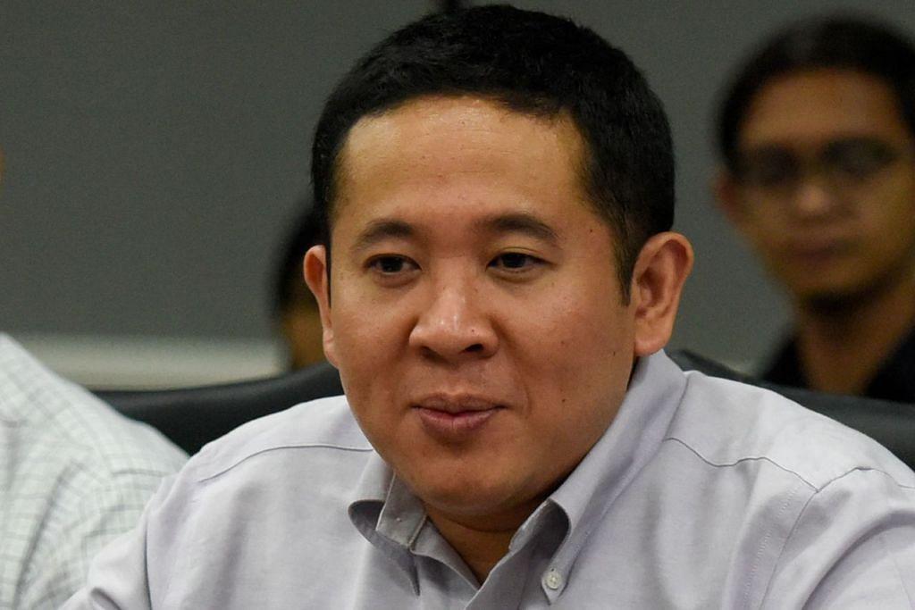 Setiausaha Parlimen Kanan (Ehwal Dalam Negeri merangkap Kesihatan), Encik Amrin Amin