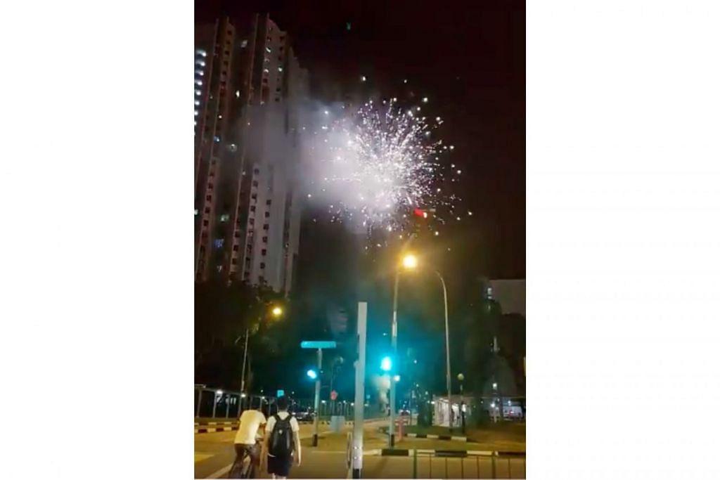 LANGGAR UNDANG-UNDANG: Percikan bunga api kelihatan dekat Little India malam kelmarin. - Foto SG ROAD VIGILANTE/FACEBOOK