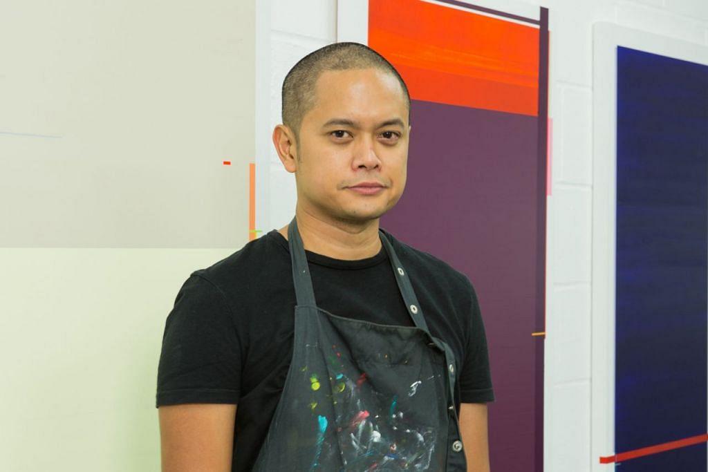 DAHAGAKAN PENGALAMAN BARU: Ashidiq Ghazali yang sibuk membina kerjaya sebagai karyawan pengiklanan sebelum ini enggan biarkan dirinya di takuk lama lantas meneroka semula bidang lukisan secara serius. - Foto ihsan ASHIDIQ GHAZALI