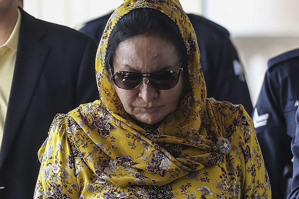 DIJANGKA DIBAWA KE MAHKAMAH LAGI: Datin Rosmah dijangka menghadapi beberapa tuduhan bersama bekas pembantunya. - Foto fail EPA-EFE