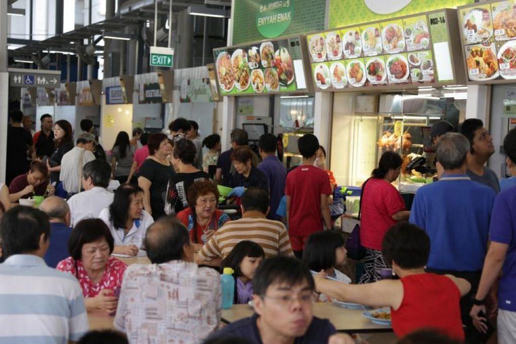 SOKONGAN TAMBAHAN BAGI PENJAJA: Pusat Penjaja Jurong West, yang dikendalikan oleh Hawker Management oleh Koufu, salah satu daripada tujuh pusat penjaja di Singapura pada masa ini yang dikendalikan oleh perusahaan dan kooperatif sosial privet.