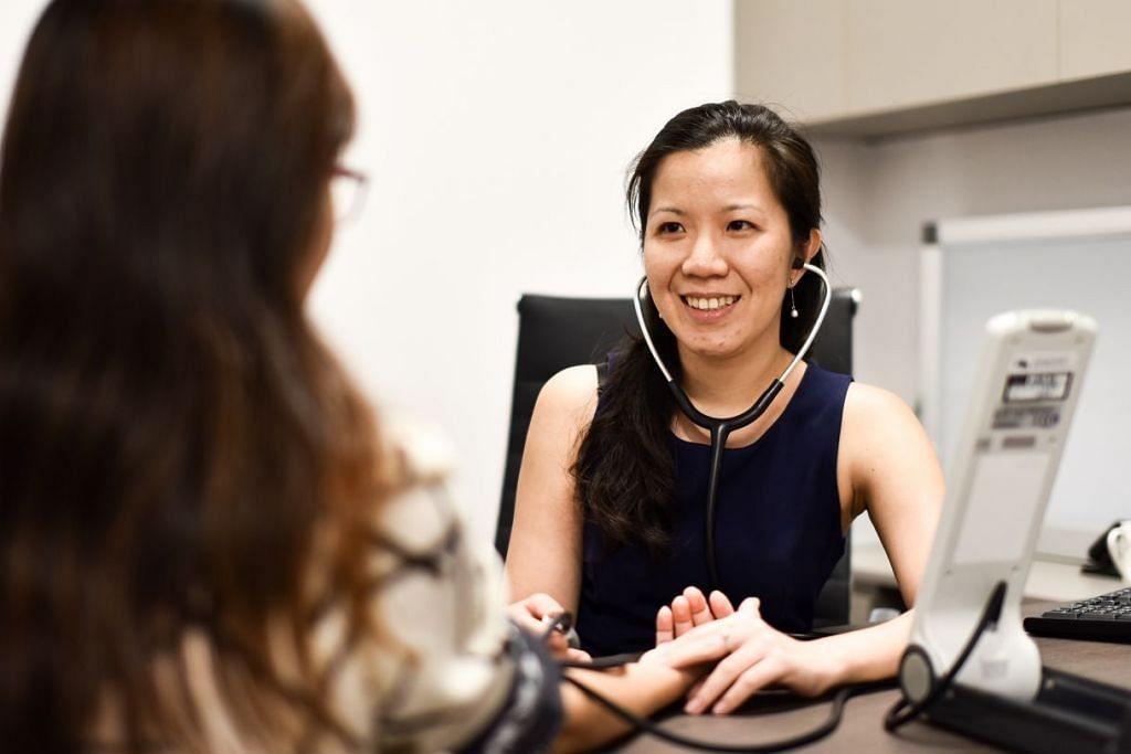 TREND MEMBIMBANGKAN: Dr Soh Lip Min menarik perhatian ada juga pesakit yang penyakit kencing manisnya hanya diketahui selepas keadaan itu menjadi kian serius dan sudah mengalami komplikasi. – Foto BH oleh MATTHIAS CHONG