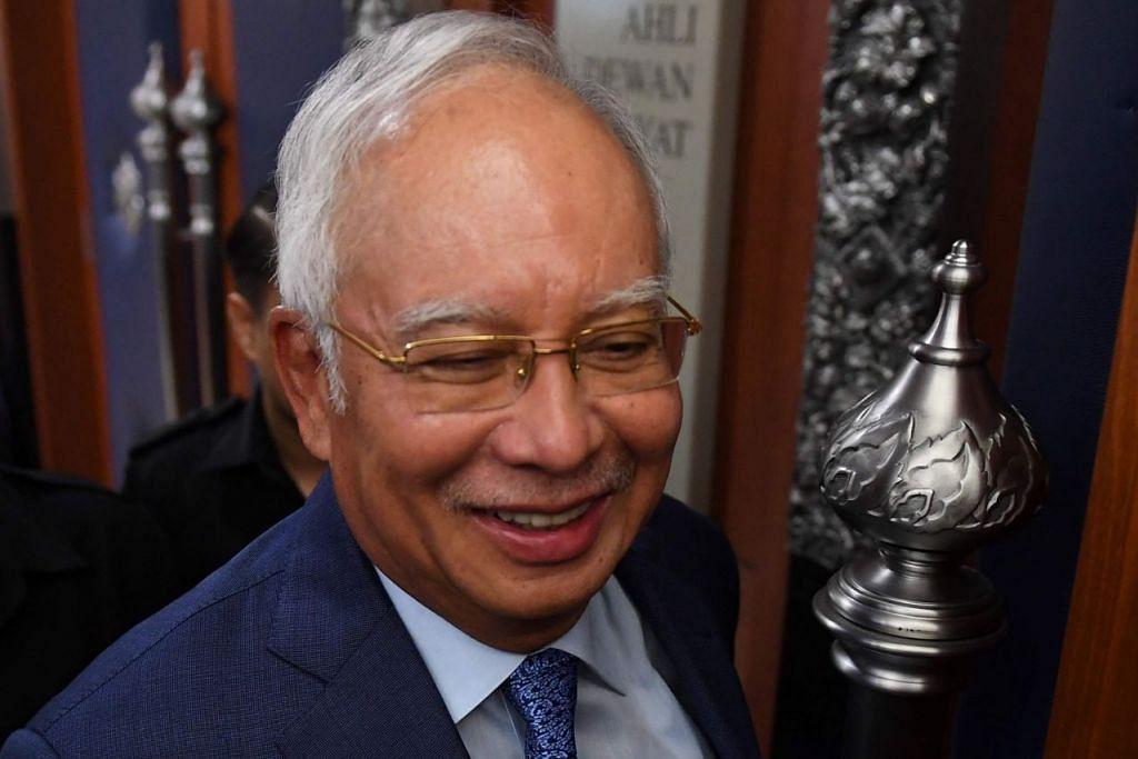 BANTU SIASATAN: Datuk Seri Mohd Najib Tun Razak di soal siasat hampir empat jam oleh Suruhanjaya Pencegahan Rasuah Malaysia (SPRM) semalam. - Foto fail
