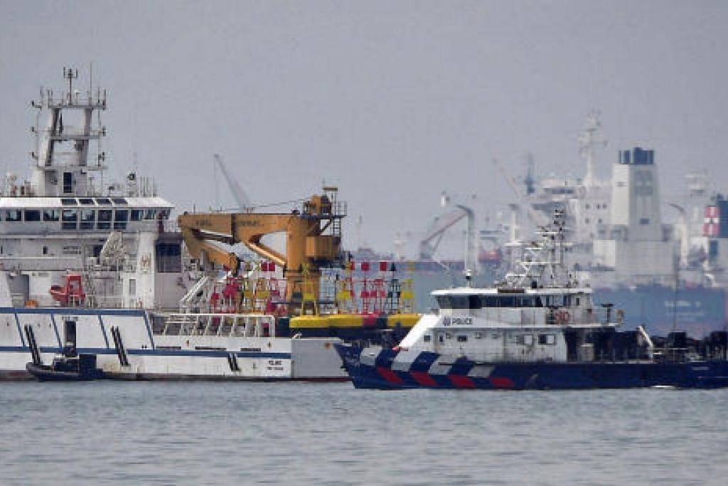 Malaysia sarankan agar negara itu dan Singapura berhenti daripada menghantar aset ke kawasan perairan yang dipertikaikan berkuat kuasa esok (8 Dis) bermula 12 tengah malam.