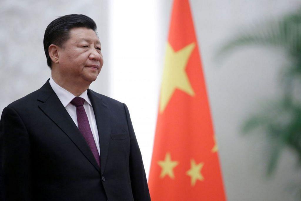 """BERIKRAR AKAN MENERUSKAN PEMBAHARUAN EKONOMI: Berucap pada 18 Disember lalu sempena ulang tahun ke-40 pelaksanaan dasar pembaharuan dan buka pintu, Presiden Xi Jinping, berkata China telah memulakan perubahan besar terhadap ekonominya dan berkata Beijing tidak akan pernah cuba menguasai ekonomi dunia. Namun, beliau memberi amaran bahawa tiada siapa boleh """"mengarahkan"""" haluan pembangunan ekonomi negara itu. - Foto REUTERS"""
