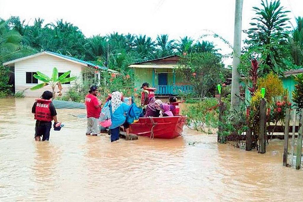 Banjir di tiga negeri makin buruk, Johor mula pulih
