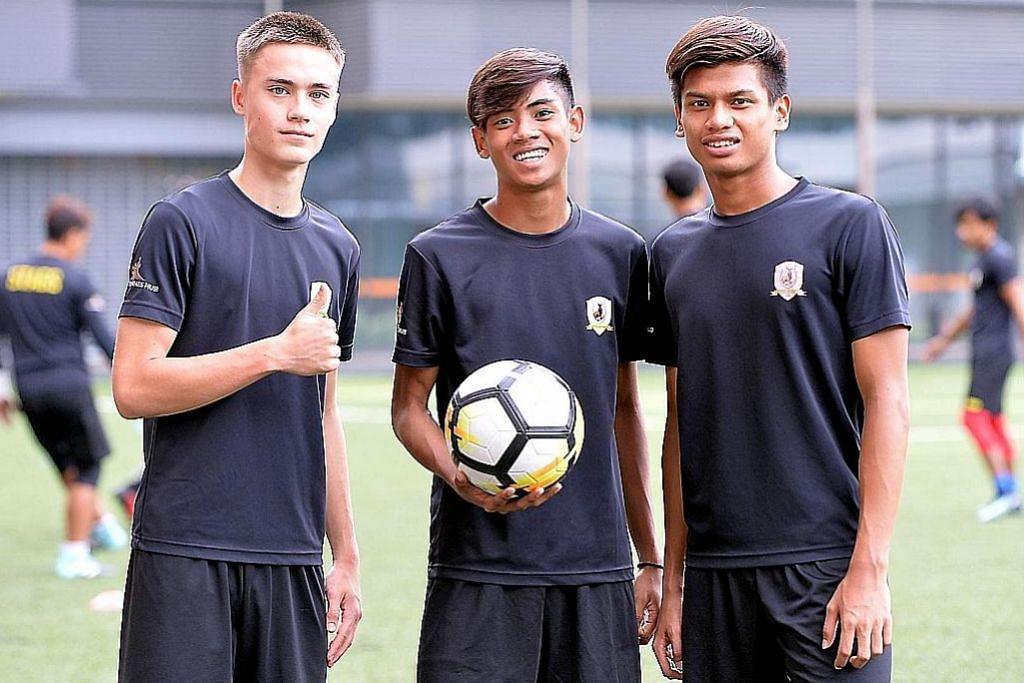 (Dari kiri) Ryhan Stewart, Nur Muhd Shah Shahiran dan Irfan Najeeb. - Foto BM oleh M.O. SALLEH