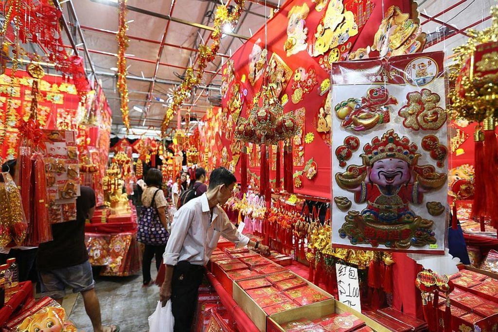 Suasana meriah dan bermandi cahaya di Chinatown JALAN RAYA YANG DITUTUP SEMPENA TAHUN BARU CINA