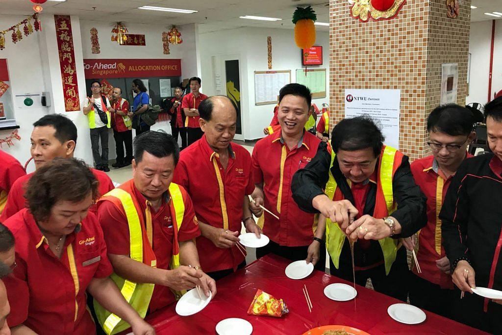 Chun Sing lawat pekerja di depoh Loyang, Marina Bay Sands