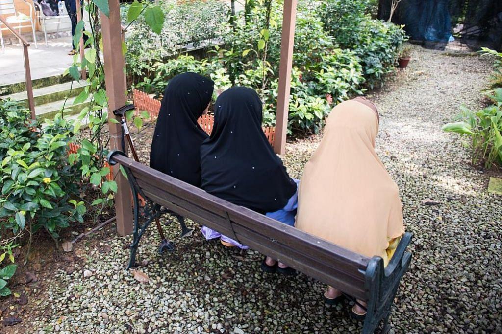 Tetap ibu yang disanjungi meski menghuni di rumah orang tua