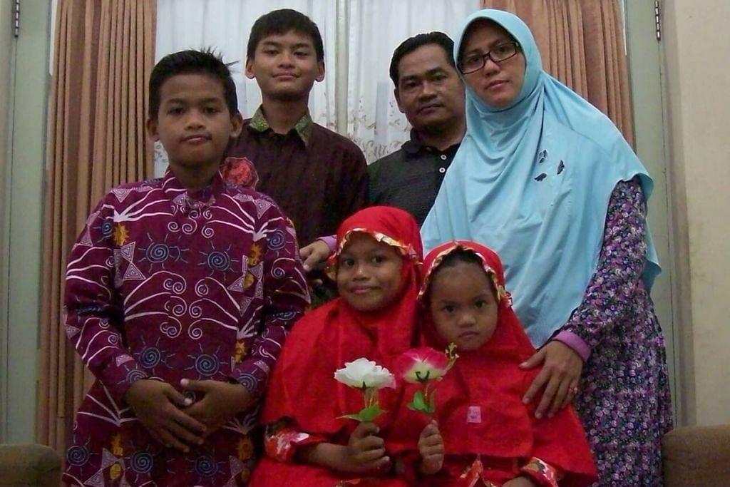 Wanita dalam serangan pengganas Surabaya bak ibu biasa
