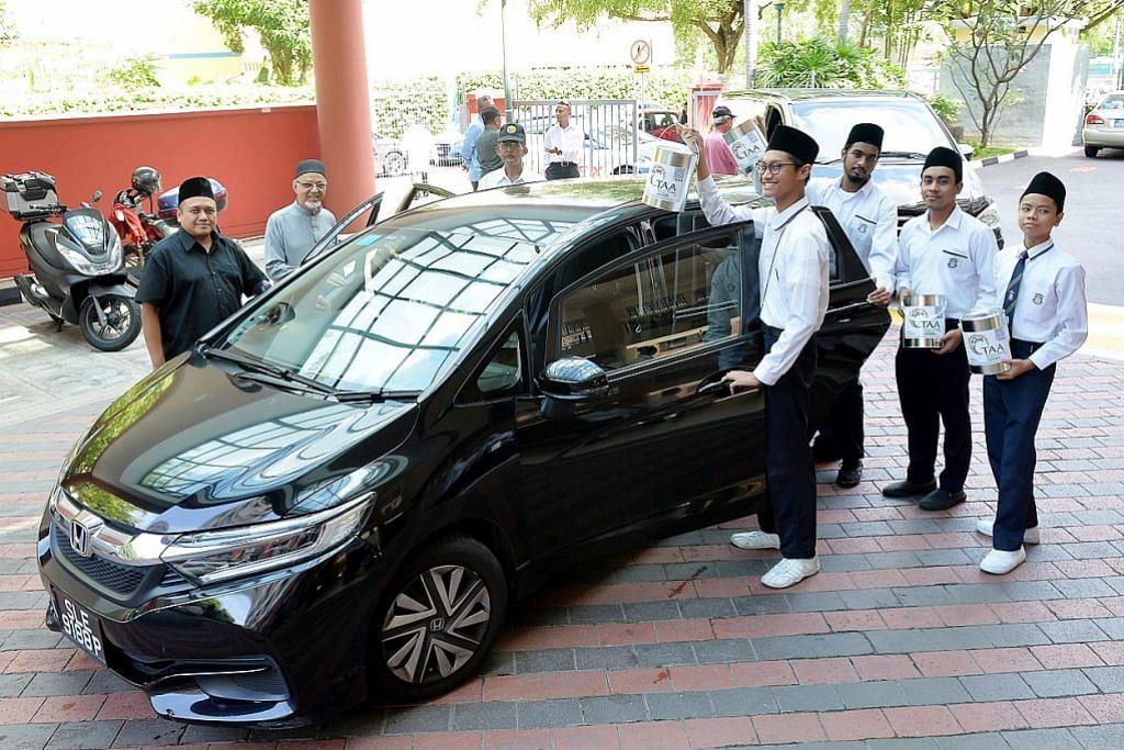Pelajar Madrasah Aljunied, drebar teksi bantu kumpul dana TAA