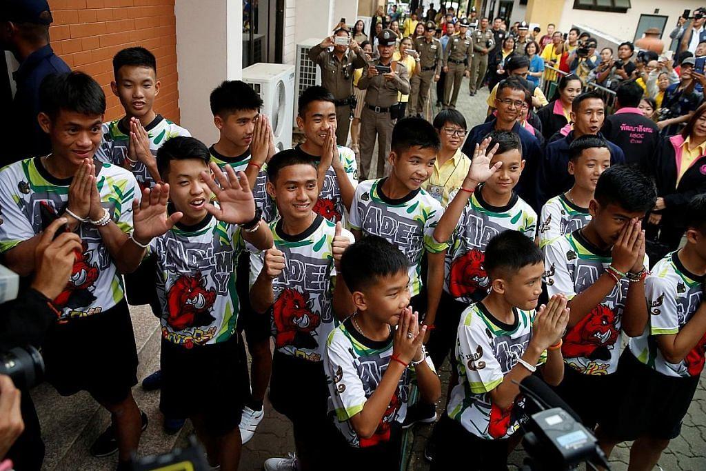 13 mangsa yang diselamat dari gua Thai diizin keluar hospital