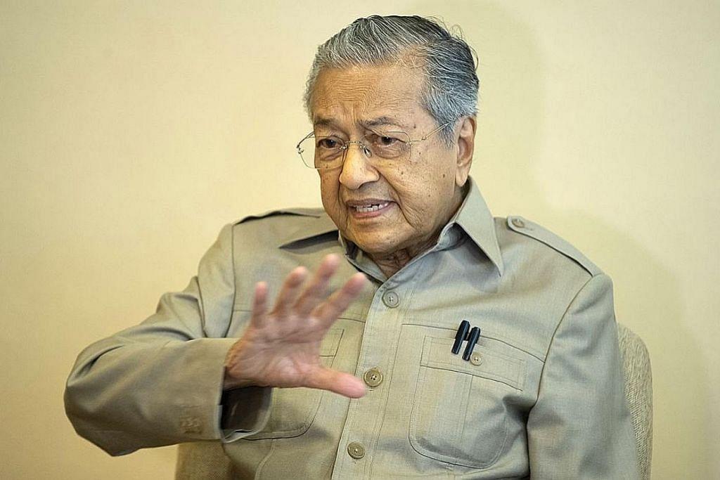 Sabah, Sarawak mungkin diberi lebih kuasa autonomi: Mahathir