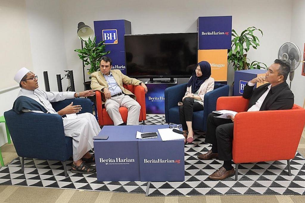 KUPAS ISU INKLUSIVITI: Anggota panel perbincangan terdiri daripada (dari kiri) Dr Leyaket Ali Mohamed Omar, CEO Human Connection Sg; Dr Mohamed Ali, Penolong Profesor di SRP; dan Cik Nursheila Muez, Penganalisis Penyelidikan di SRP. Moderatornya ialah Encik Nazry Mokhtar, Timbalan Editor Berita Harian/Berita Minggu (kanan). - Foto BM oleh ALPHONSUS CHERN