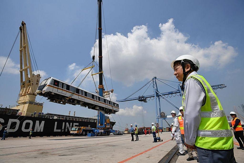 Dua daripada 91 tren TEL tiba di Pelabuhan Jurong