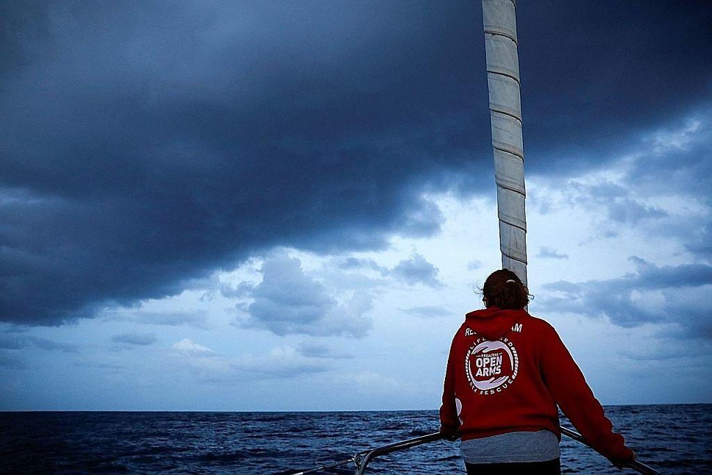 Bila kapal kita dipukul gelombang