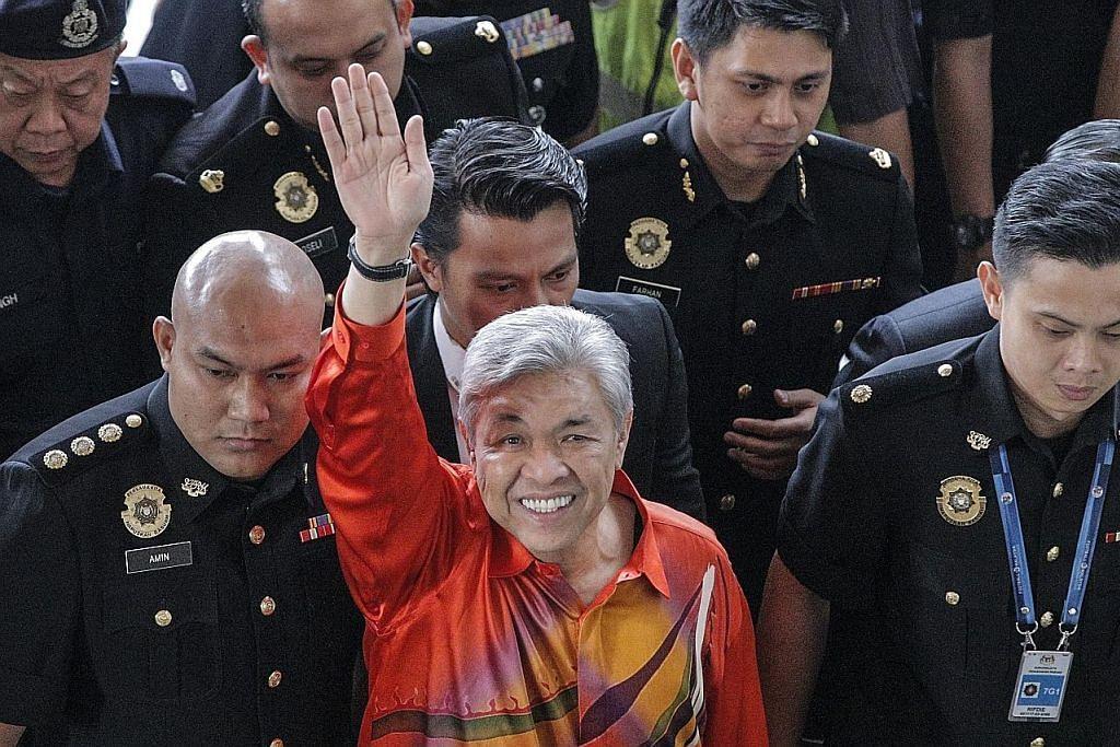 Zahid disaran ambil cuti dari jawatan Presiden Umno
